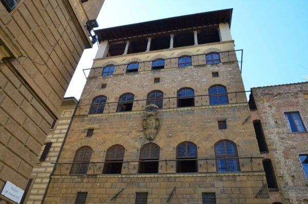 Palazzo Davanzati para crianças com guia brasileira