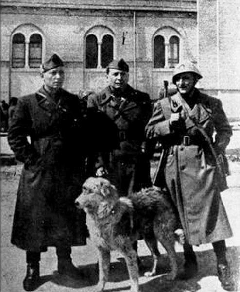 Mario Carità e dois membros da Banda. Foto Wikipédia.