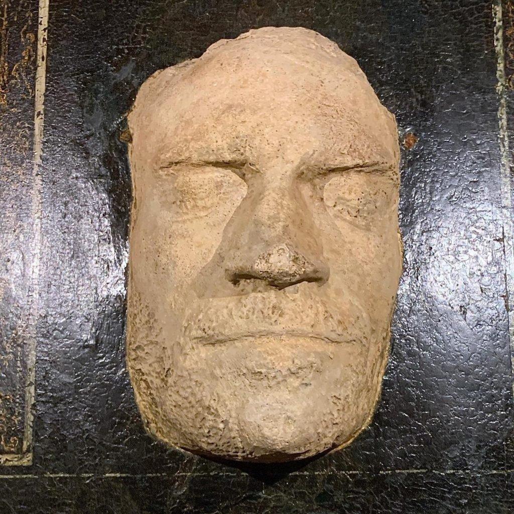 Máscara funebre de Lorenzo, o Magnifico. Gesso. Museo Tesouro do Grão-Duque, Palazzo Pitti, Florença.